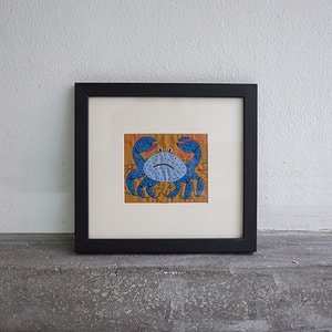 Mola Art frame (blue crab)