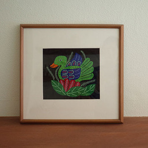 mola art frame (duck / green)