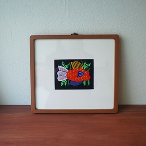 mola art frame (coco fish / orange)