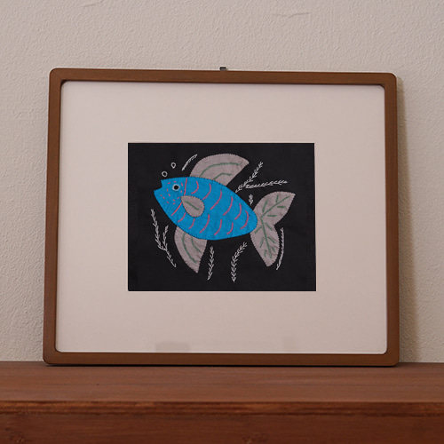 mola art frame (fish / blue L)