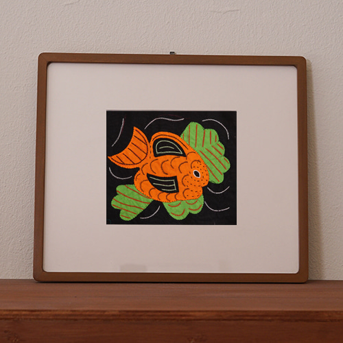 mola art frame (fish / carrot L)